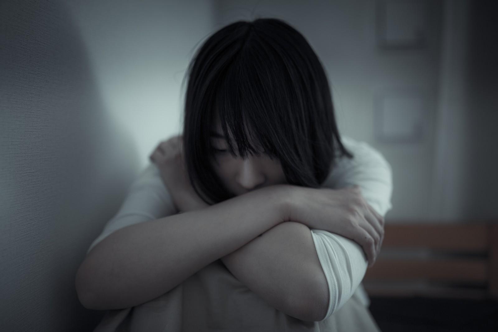 同級生「今度会わない?^^」妊婦の私『体調悪くて…ごめんね』→(ピンポーン!)私『はーい』→ドアを開けると、お腹に子供が飛び込んできて・・・