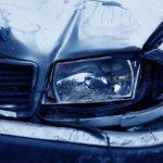 目の前で交通事故を目撃!!男子高校生の頭から溢れる血をハンカチで押さえ…