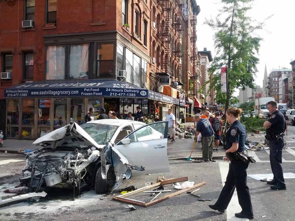 K察『あなた車が事故を…今すぐきてください』→車(グチャグチャ)私「えっ。。。どういう事ですか‥?」→トンデモナイ事が発覚・・・