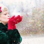クリスマスパーティーに彼がくれたプレゼントに愕然→泣きながら飛び出した私をさらに平手打ち…